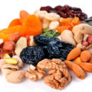 Таблица калорийности: Орехи и сухофрукты