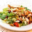 Салат из курицы по‑гречески
